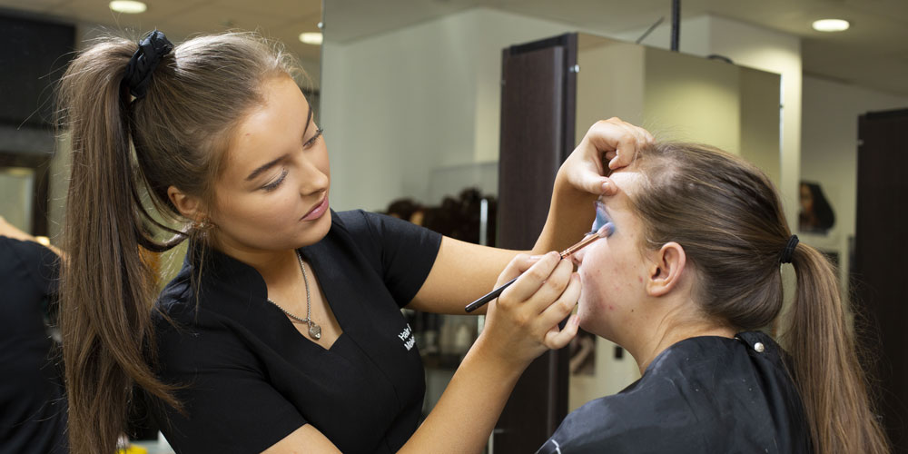 Mbro-College-Hair-and-Beauty